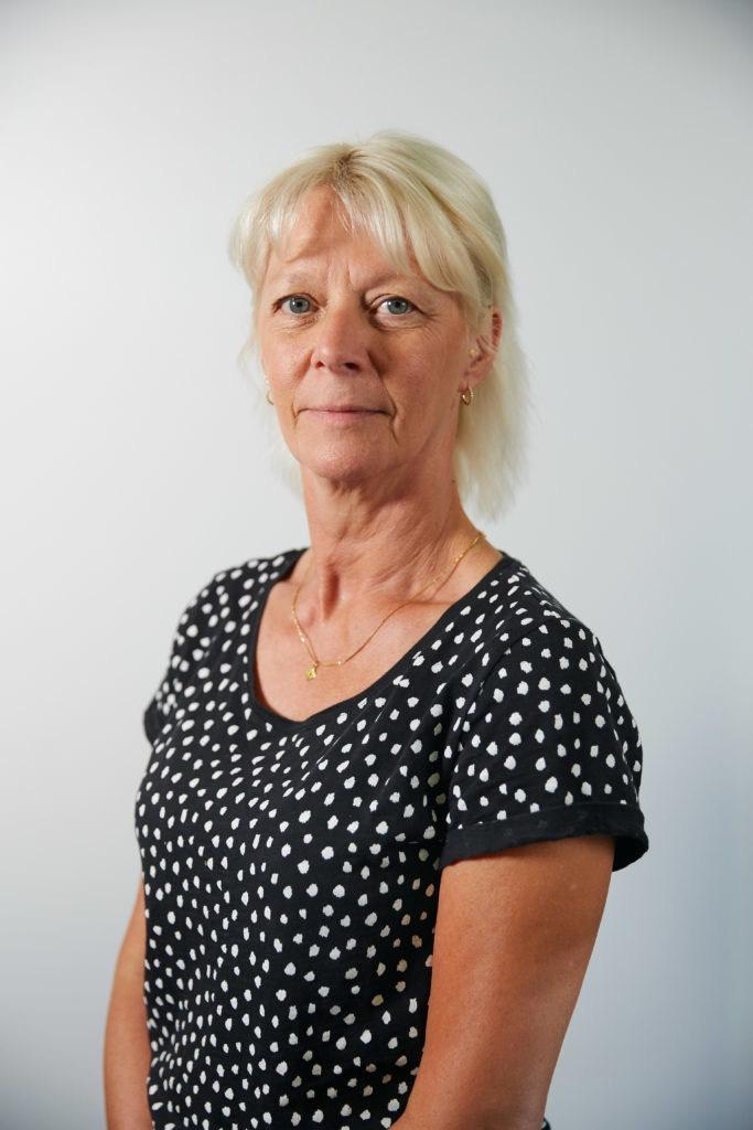 Véronique Renard Podologue- posturologue – Kiné formation en ostéopathie (I.A.O) chaines musculaire RPG@2x
